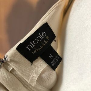 Nicole Miller Dresses - NWOT Nicole Miller Dress Size Medium